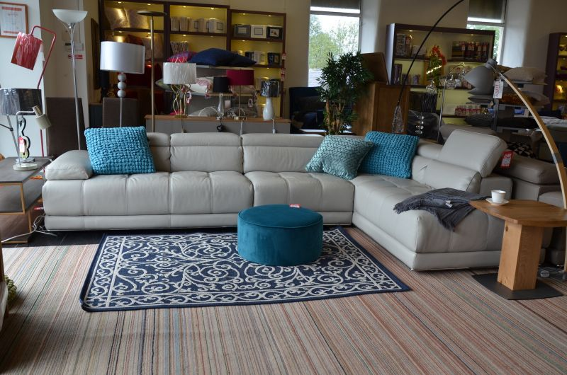 ex display sofas Lancashire Italian leather corner suite