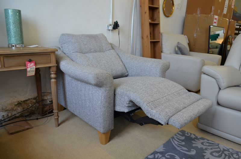 discount recliner chairs made in Britain with fast delivery before Christmas