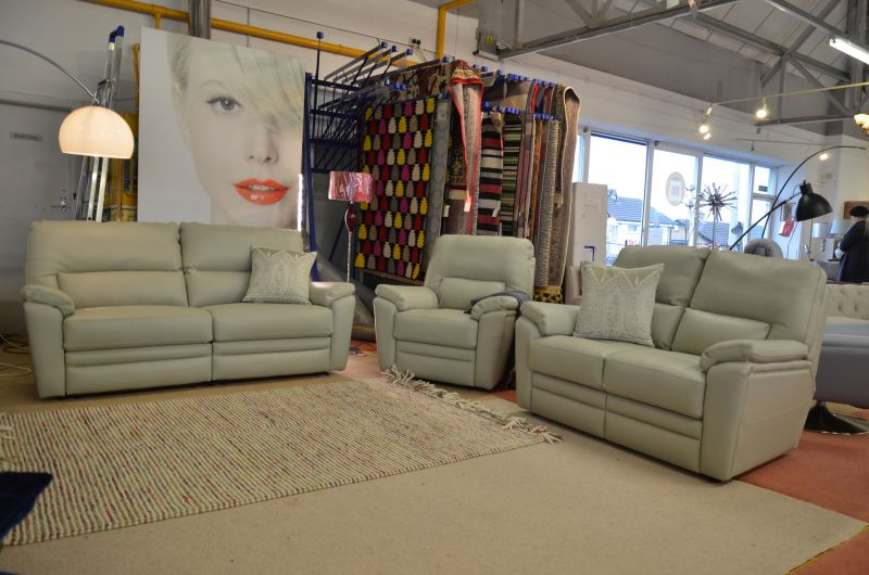Hampton leather Three Piece Suite Electric Recliners ex display sofas suite made in Britain half price clearance sofas lancashire A59 ribble valley