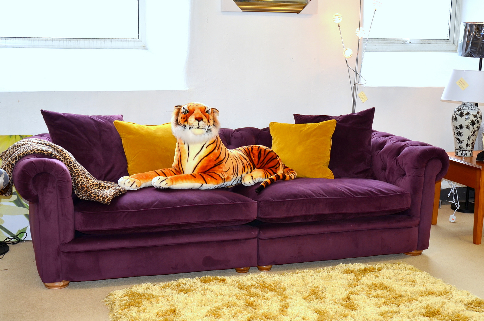 Picture of a tiger on an ex display sofa