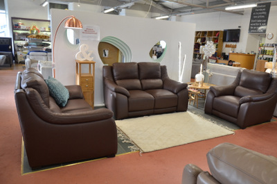 ex display loveseat available for immediate collection from lancashire