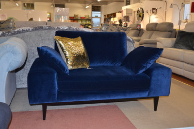 Parker Knoll Henley Sofa and 2 chairs ex display sofas discount sale